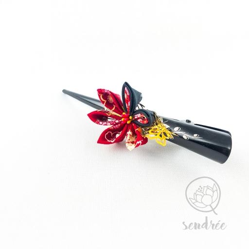 Pince fleur rouge sendrée papier japonais