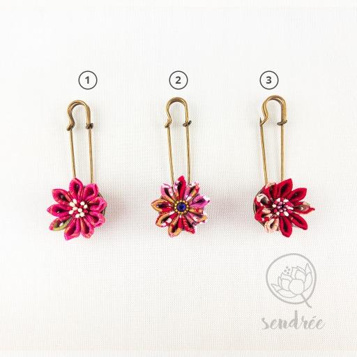 Broche fleurs sendrée tissu japonais