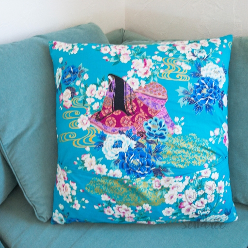 Taie d'oreiller geisha bleu sendrée tissu japonais
