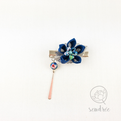 Pince croco fleur royal blue sendrée tsumami zaiku