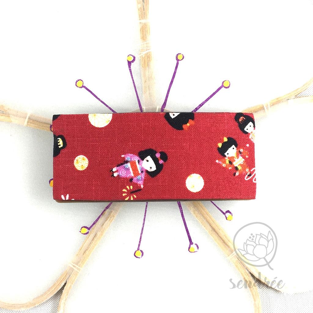 Barrette tissu poupées rouge sendrée tissu japonais