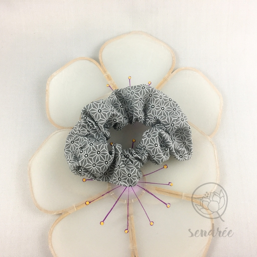 Chouchou asanoha gris sendrée tissu japonais