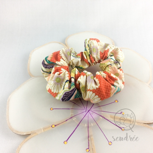 Chouchou fleur sanguine sendrée tissu japonais