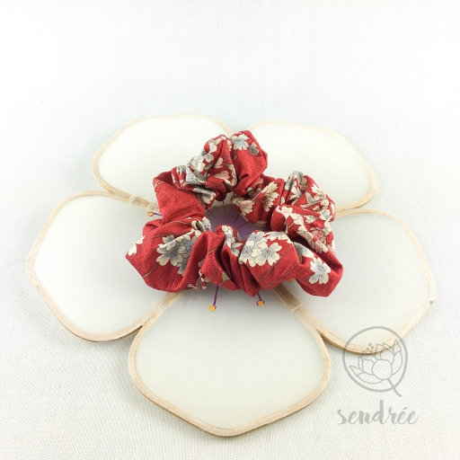 Chouchou sakura rouge sendrée tissu japonais