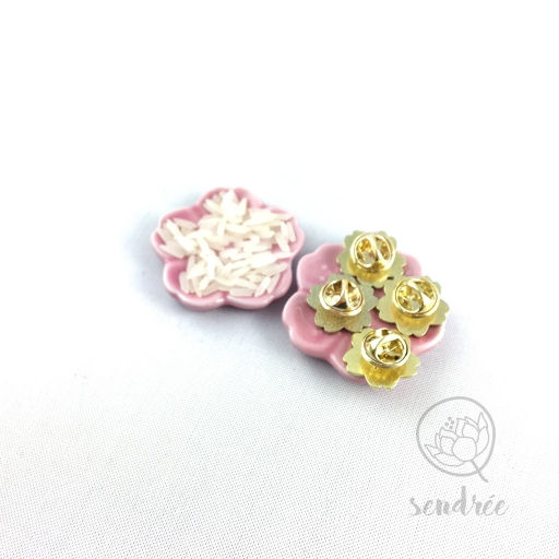 Pin's sakura sendrée