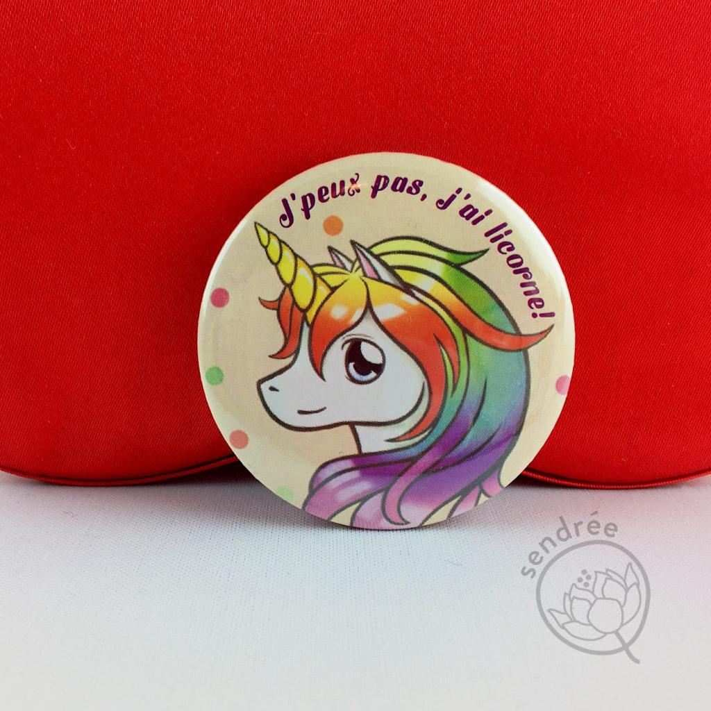 Badge Licorne Arc-en-ciel sendrée
